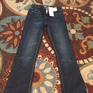 New Curvy Low Rise Bootcut Women's Size 4 Jeans